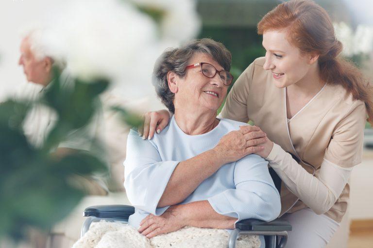 Créer la plateforme de formation à distance de son réseau de maisons de retraite